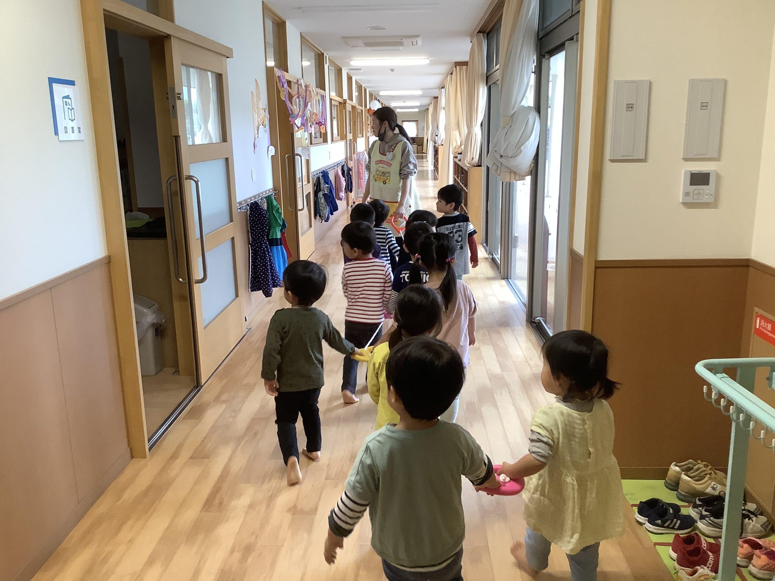 お散歩(1・2歳児)